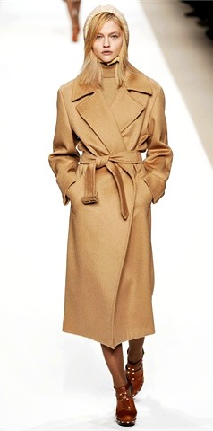 cappotto moda autunno inverno 2010 2011 - Source Max Mara
