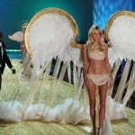 Anja Rubik al Victoria's Secret Fashion Show - Photo by Theo Wargo-Getty Images