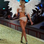 Candice Swanepoel al Victoria's Secret Fashion Show - Photo by Theo Wargo-Getty Images